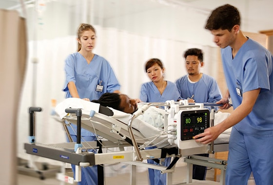 GE Healthcare B105 and B125 patient monitors deliver reliable patient data monitoring performance in emergency situations.