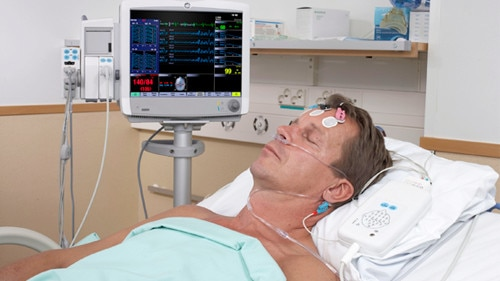 ing-patient-monitors-carescape-monitor-b650-gehc-carescape monitor-b650_patient in icu.jpg
